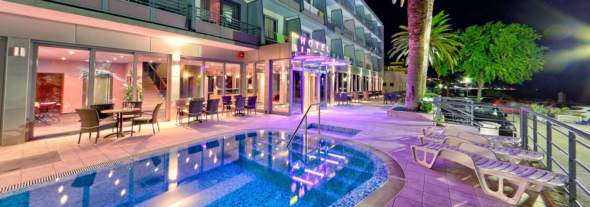 Hotel Sirena night